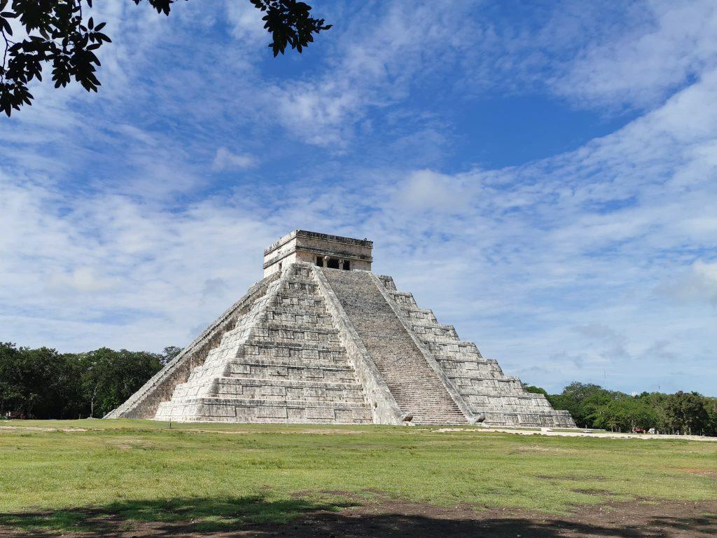 pyramide précolombienne de chichen itza