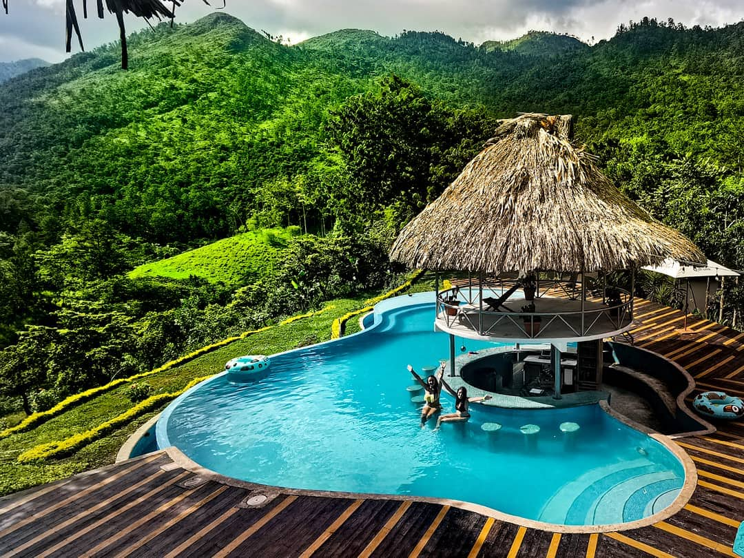 piscine zéphyr hostel lanquin
